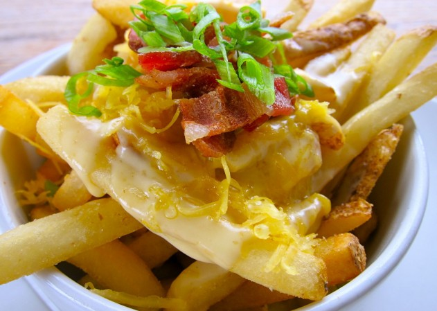 patatas-fritas-queso-bacon